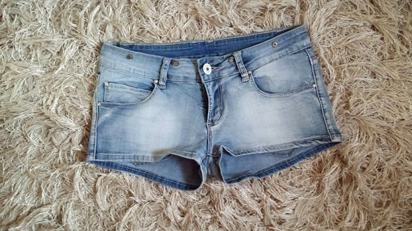 Spodenki Spodenki szorty jasno niebieskie jeansowe marmurki rozjasniane cieniowane niski stan