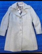 siwy płaszcz