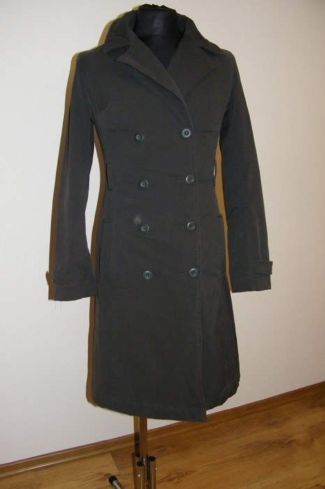Odzież wierzchnia długi oliwkowy płaszcz