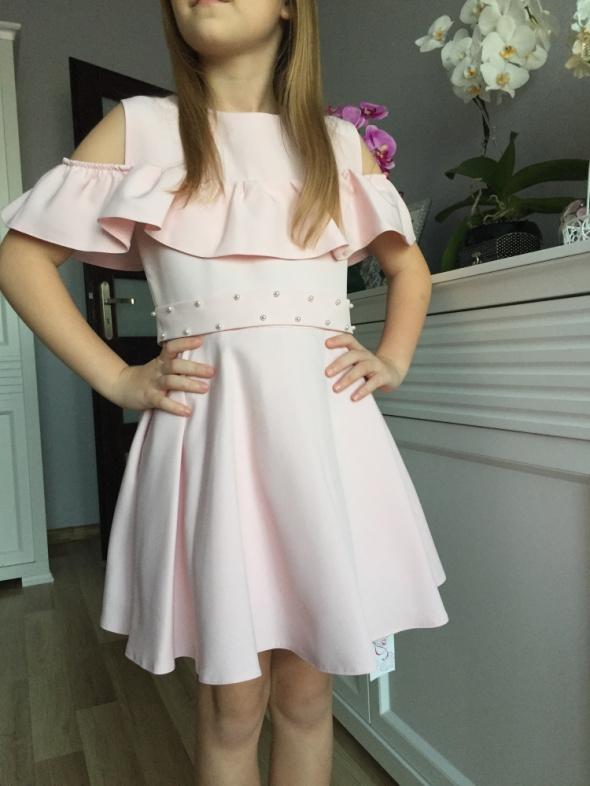 Sukieneczka dziewczęca z baskinką polska produkcja
