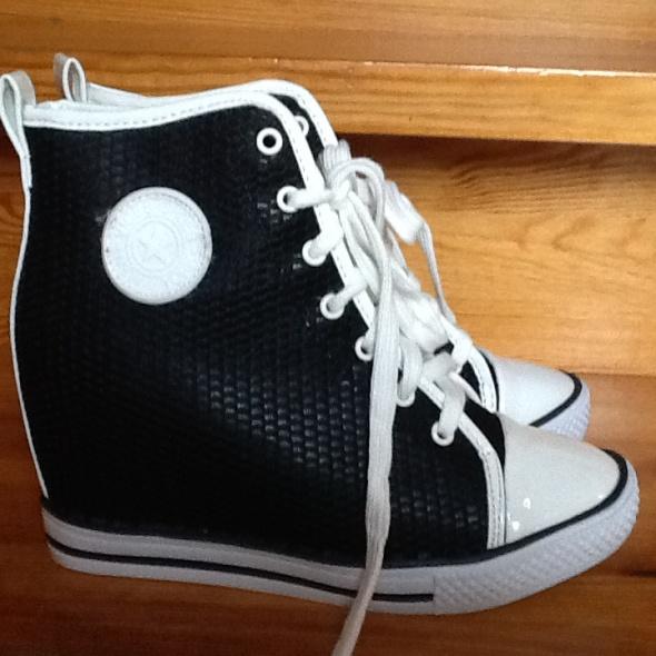 f236563143fa0 Sneakersy trampki na koturnie Vices Donna 40 czarn w Sportowe - Szafa.pl