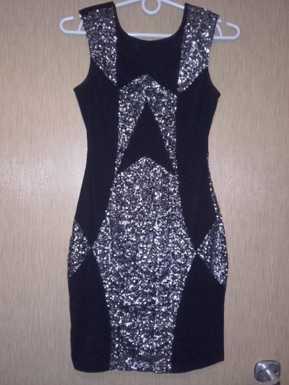 czarna sukienka ze srebrnymi cekinami S XS