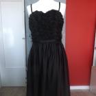 długa czarna balowa suknia