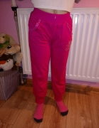 rózowe dresowe spodnie...