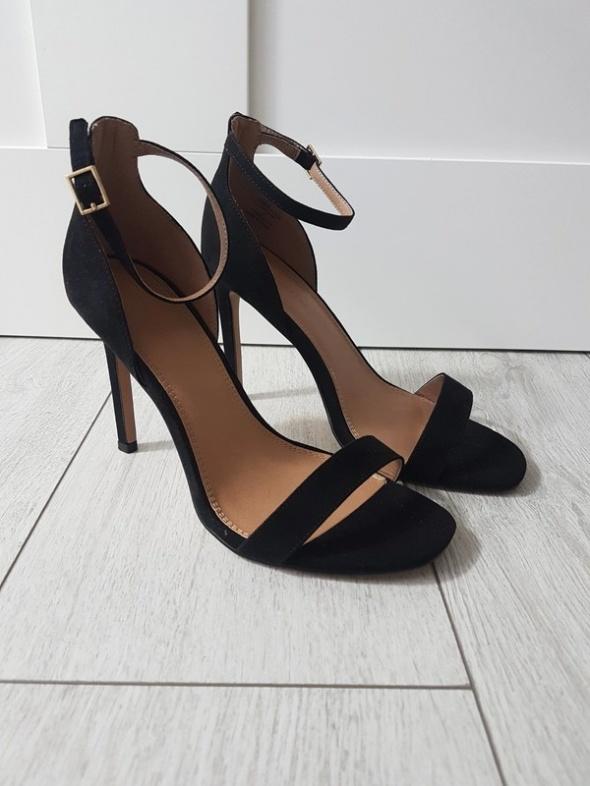 Asos 38 39 czarne sandały na szpilce obcasie zamszowe szerokie ...