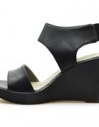 KARINO czarne sandały koturny skóra licowa r 38...