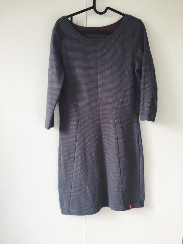 Esprit szara sukienka tłoczone wzory tuba modna M