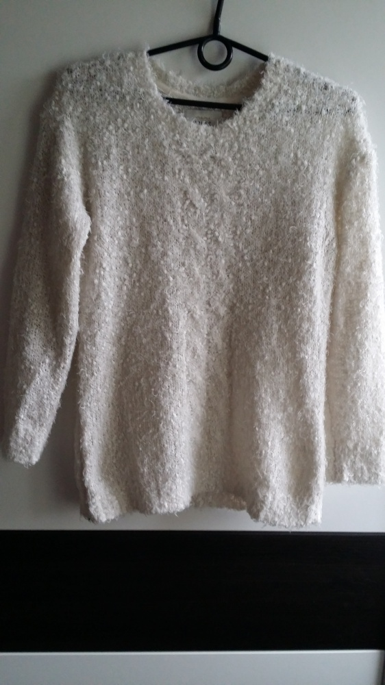 Biały sweterek House S...
