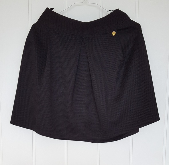 Spódnice Czarna mini spódniczka M 38 materiał w teksturalny wzór spódnica
