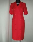 czerwona sukienka dwurzędowa 38