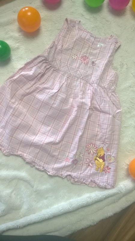 r 86 Bawełniana sukienka Disney baby z Kubusiem Puchatkiem