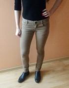 Brązowe jeansy...