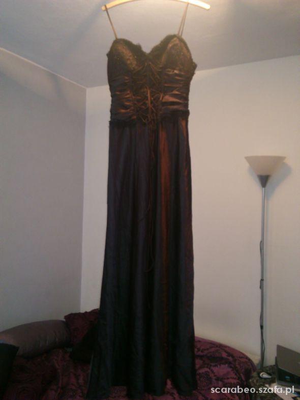 suknia balowa sylwestrowa na studniówkę z gorsetem