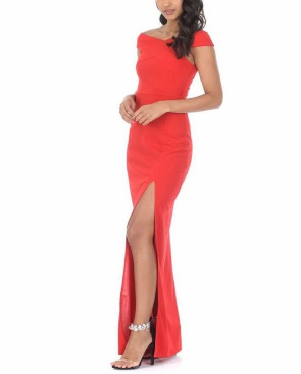 512d7d4323 Suknie i sukienki Kobieca czerwona długa sukienka z rozcięciem i ciekawym  dekoltem X