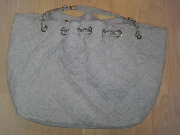 Duża PIKOWANA torebka szara Modna łańcuszek