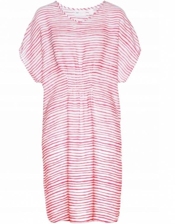 Luźna wygodna sukienka w paski oversize...