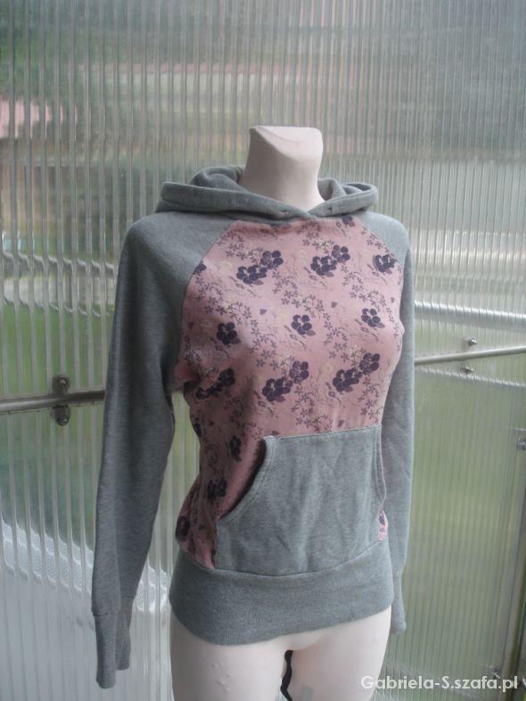 Unikatowa kwiecista i bardzo kobieca bluza Vila L