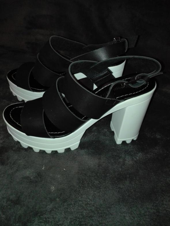 Piękne sandały na platformie Jenny Fairy 38