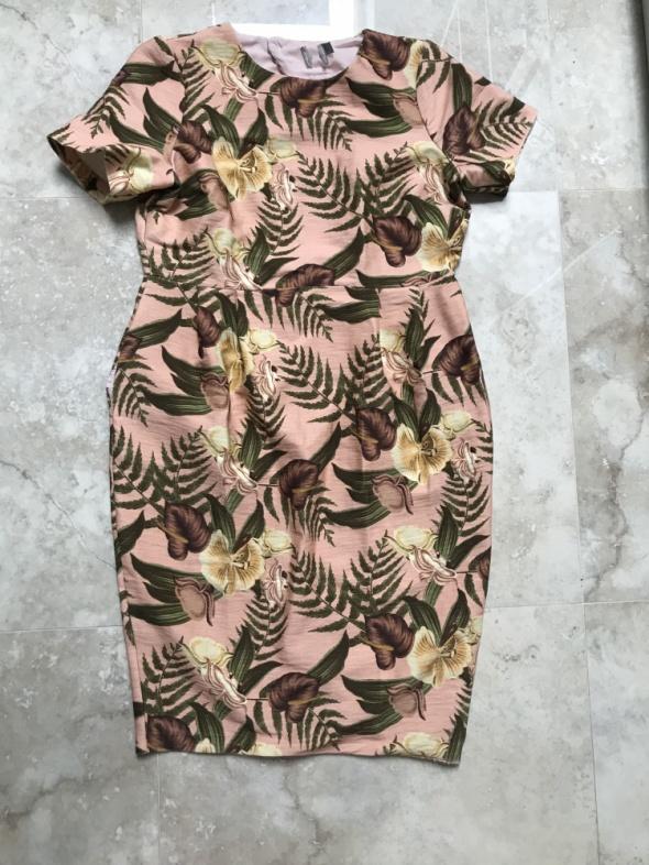 Asos sukienka w kwiaty nadruk floral z kieszeniami...