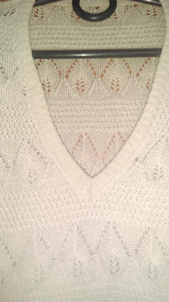 Swetry bezowy azurowy sweterek