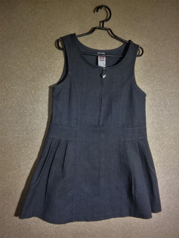 Szara elegancka sukienka rozkloszowana 116 cm 5