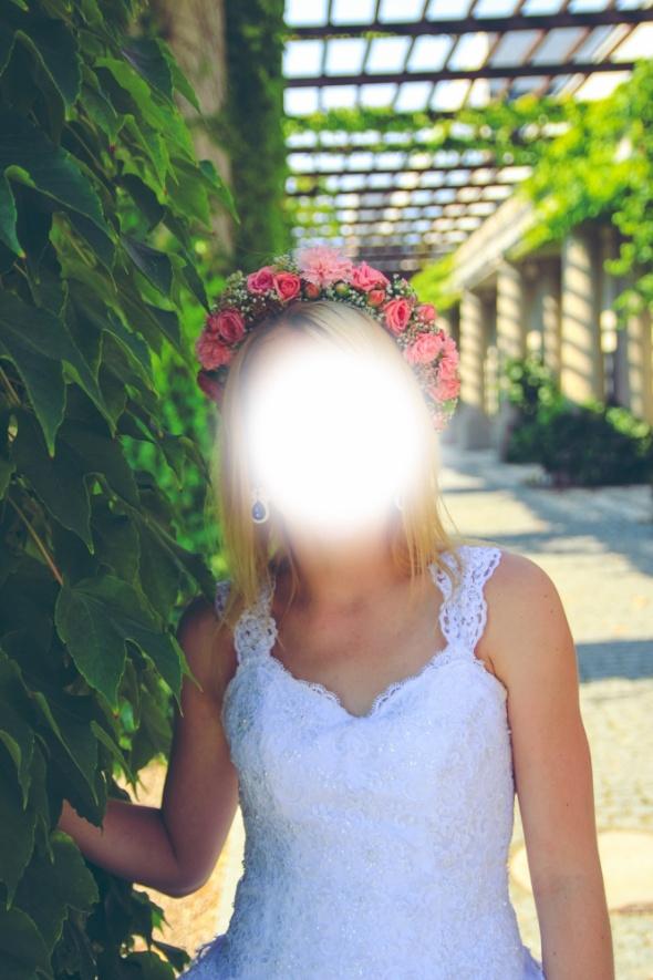 Przepiękna suknia ślubna z koronką