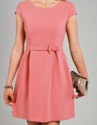 Sukienka w kolorze brudny róż XS Illuminate