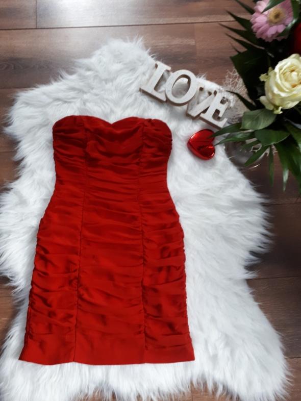 czerwona sukienka sexy