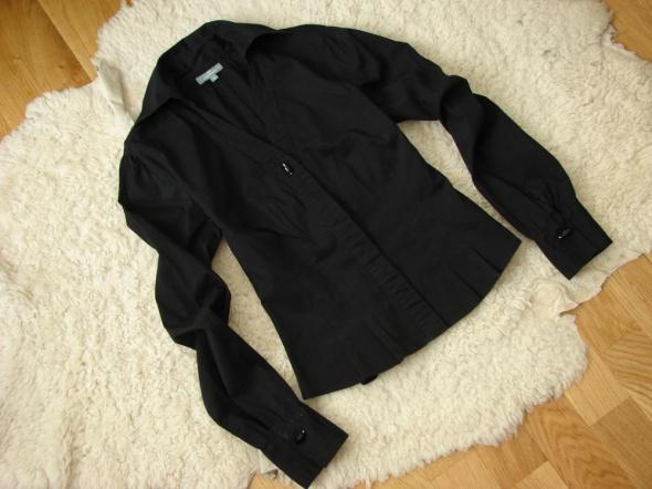 Czarna elegancka taliowana koszula