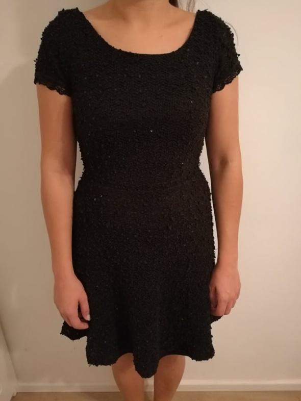 Czarna Sukienka Reserved M