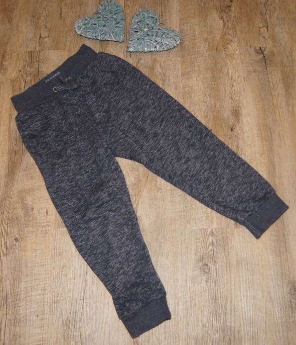 Spodnie i spodenki Spodnie dresowe chłopiec Primark rozm 122