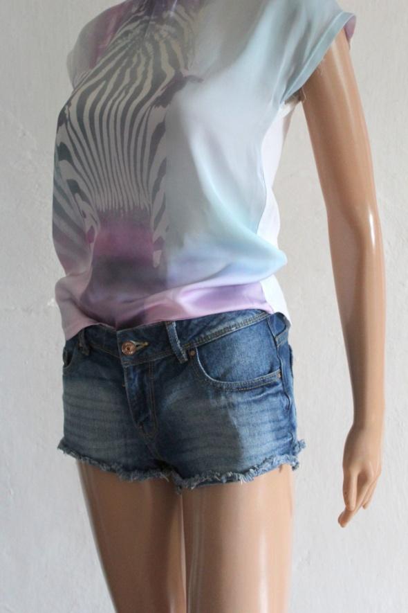 Jeansowe szorty szarpane r XS...