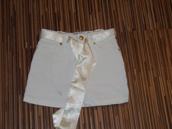 Sukienki i spódniczki sztruksowa biala spodniczka Place rozmiar 116
