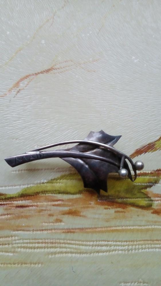 Srebro broszka liść kulki stara
