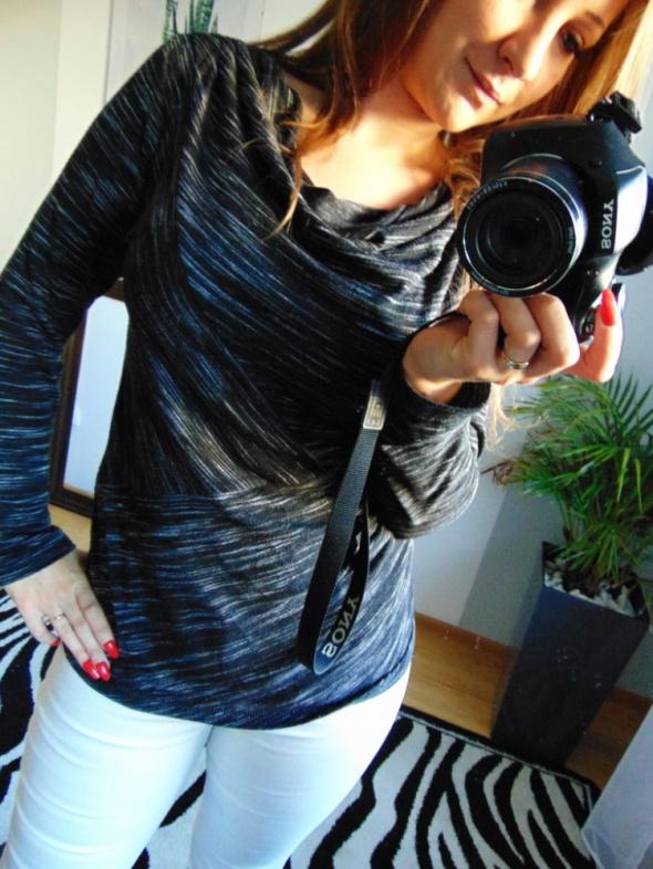 Czarna elegancka bluzka w paski Max Studio 38 M