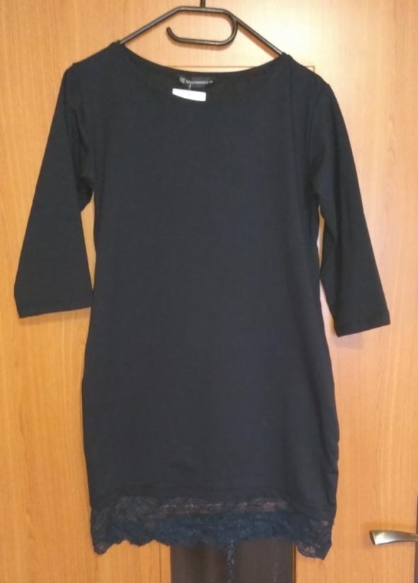 Czarna nowa sukienke dresowa z koronka S M