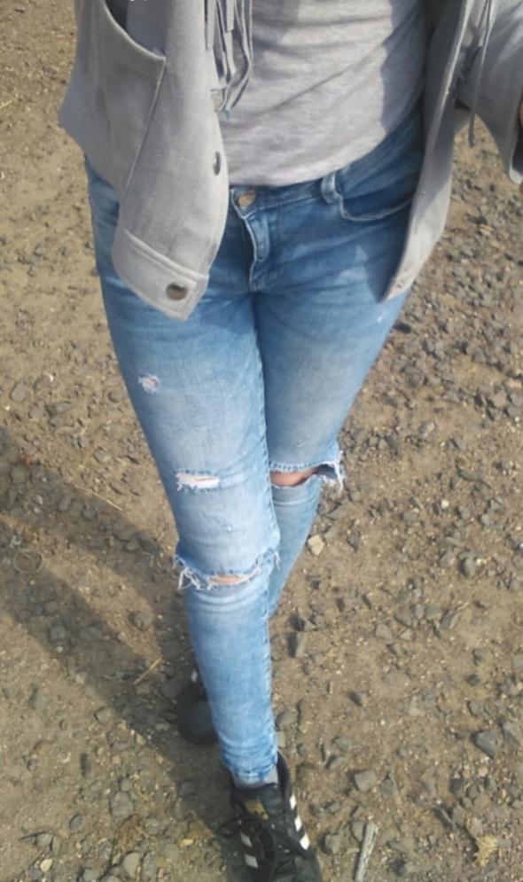 Jeansy rurki Zara s dziury przetarcia