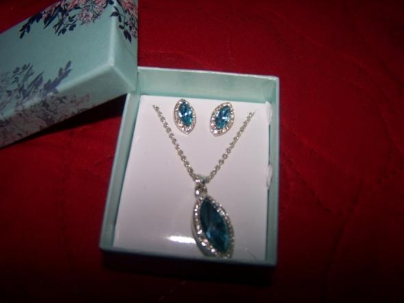 Komplet biżuterii naszyjnik i kolczyki niebieski