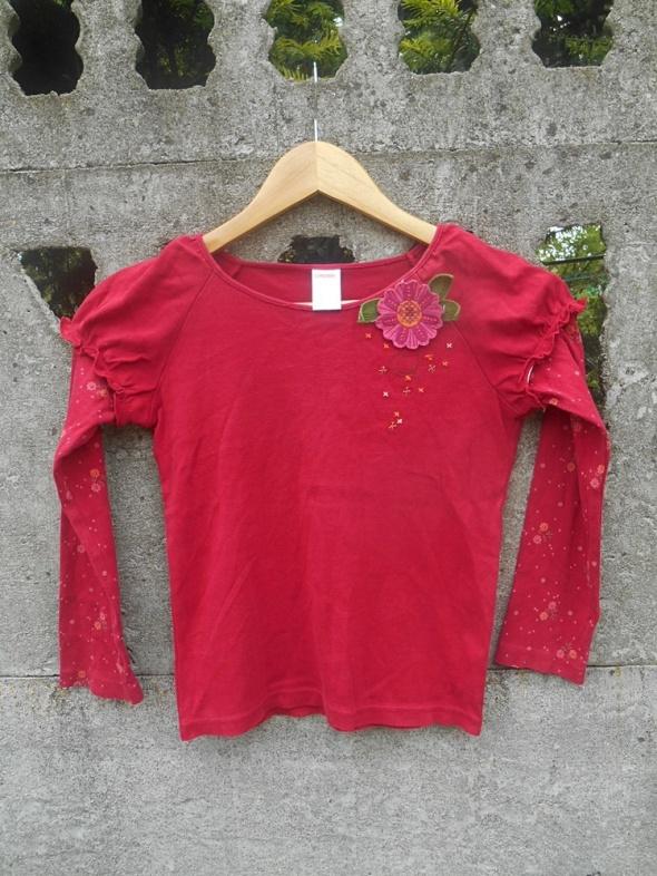 Czerwona Bluzka 122 z kwiatkiem