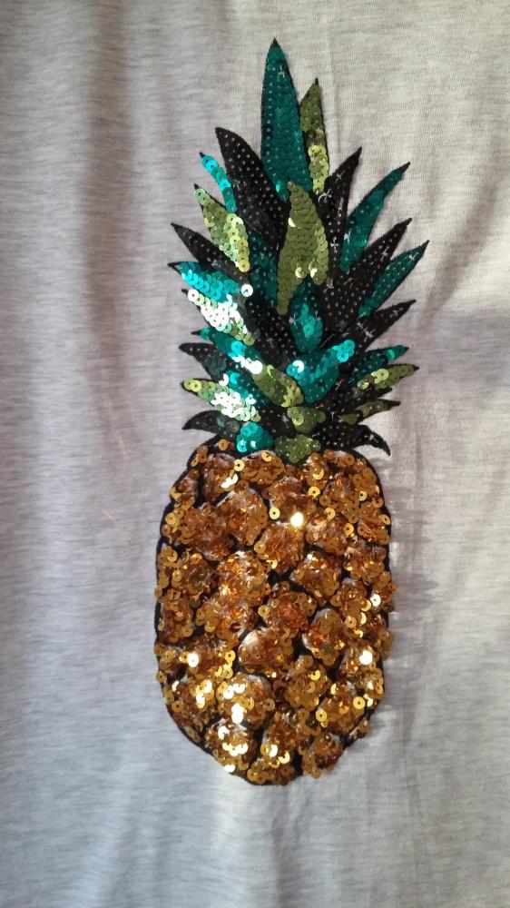 T shirt ze świecącym ananasem