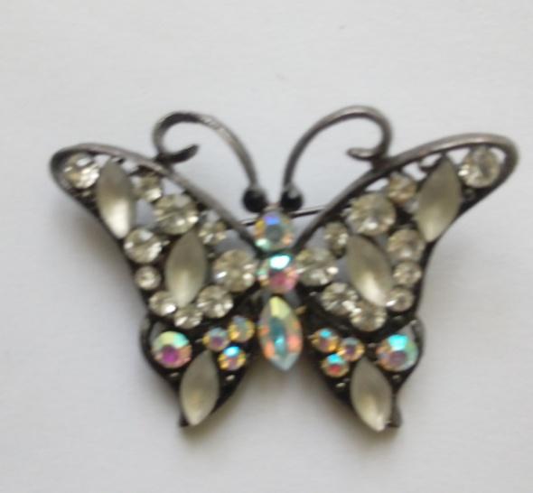czarny motylek z cyrkoniami broszka