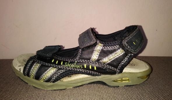 Czarne skórzane sandały dla chłopca Skofus r31