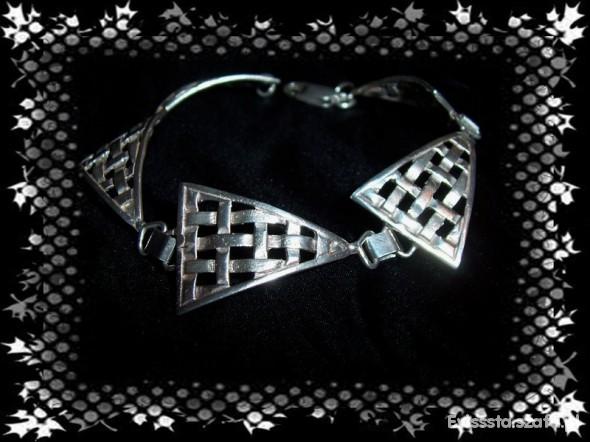 Duża srebrna z trójkatami