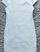 Śliczna biała sukienka dopasowana sexi...