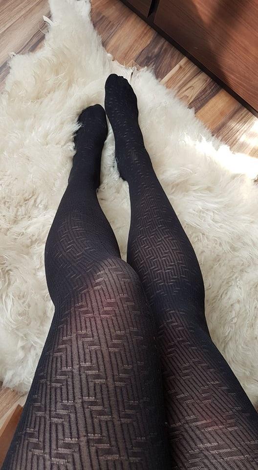 czarne elastyczne rajstopy