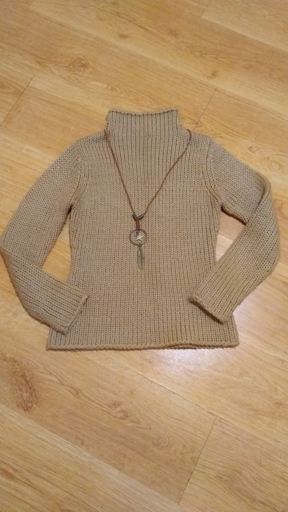 Musztardowy sweterek