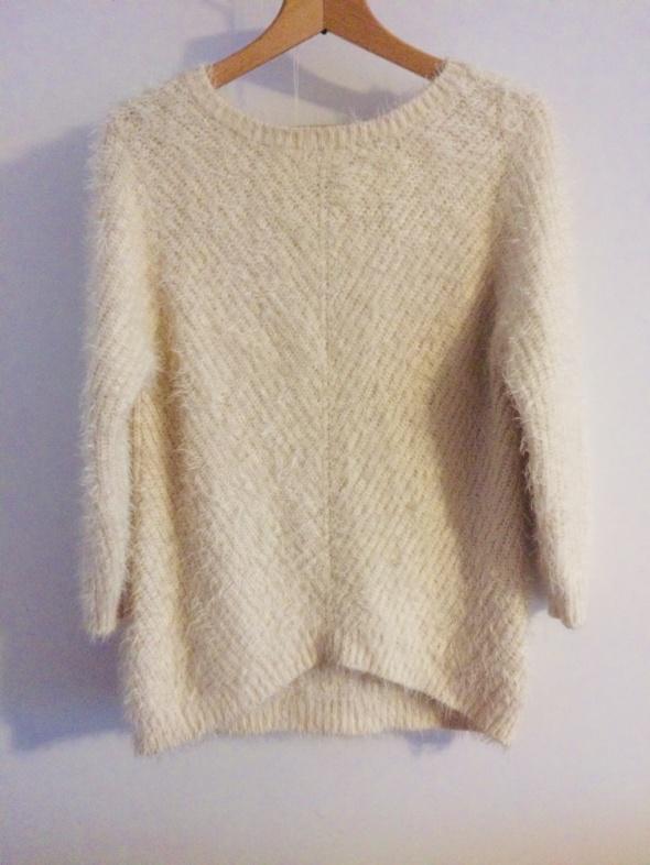 Sweter włochaty H&M...