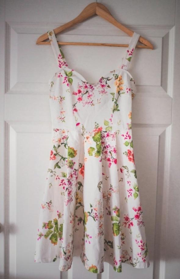 Sukienka kwiaty łąka Mohito 32 34 XXS XS nowa wiosna lato