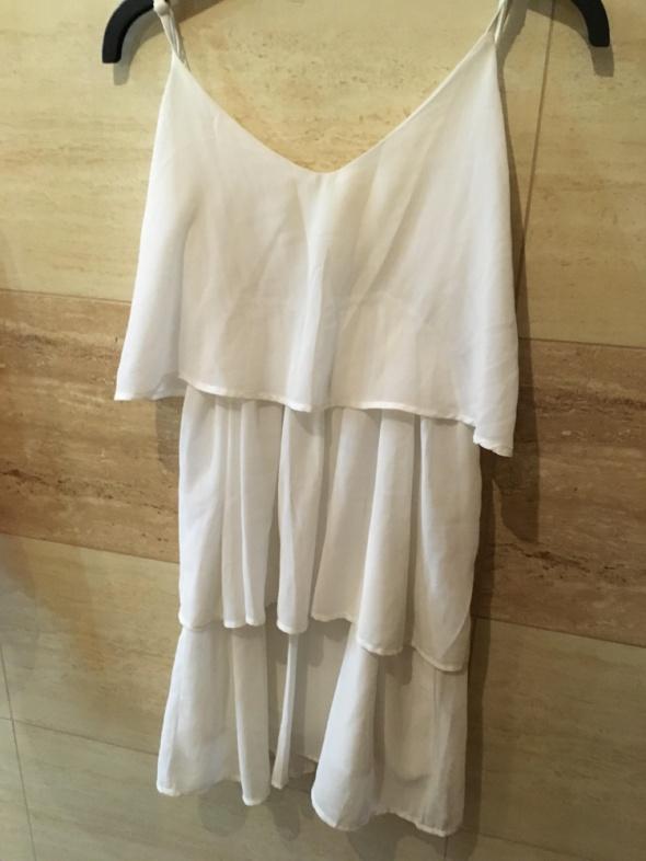 biała sukienka glamorous 36 S 38 M falbany...