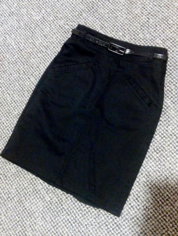 Czarna spódnica Mango 34...